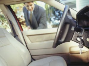 How to Act in a Car Lockout Emergency Situation?